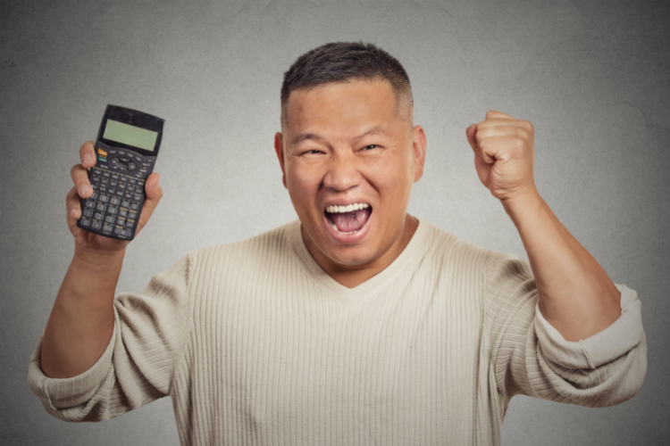 Homem feliz calculadora